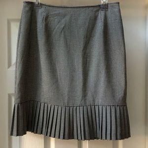 BRIGGS NY herringbone peplum skirt. Size 10